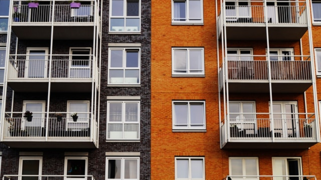 Gift of the share of an apartment: the features of the contract